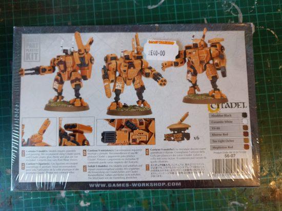 XV8 Crisis Battlesuit Team Back