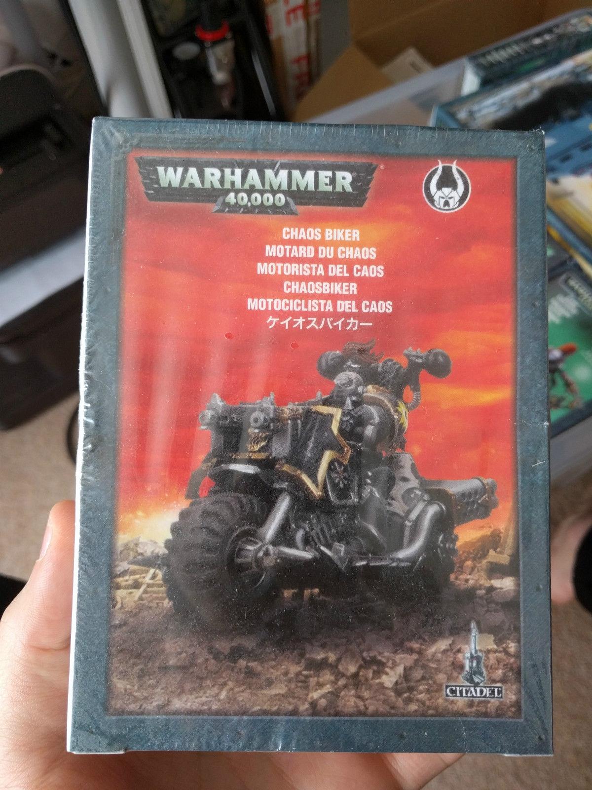 Warhammer 40k – Chaos Biker BNINB Sealed New OOP
